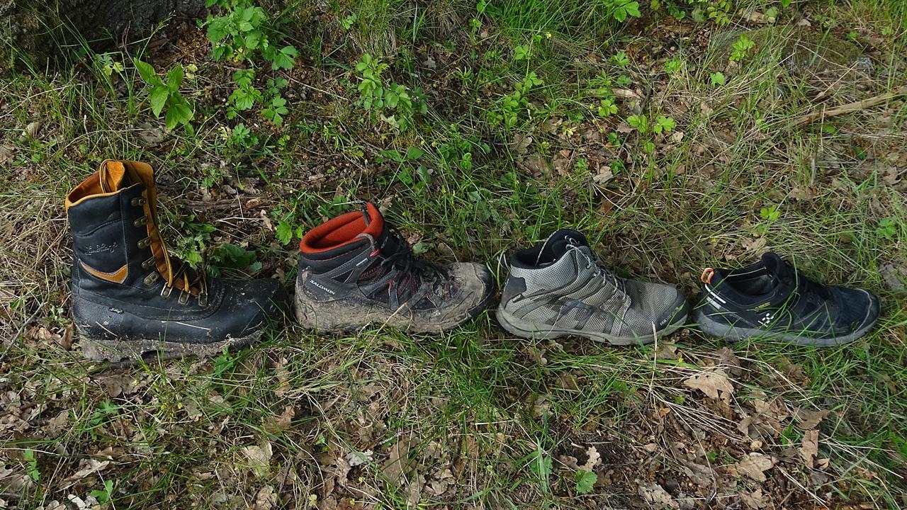 Olika kängor och skor